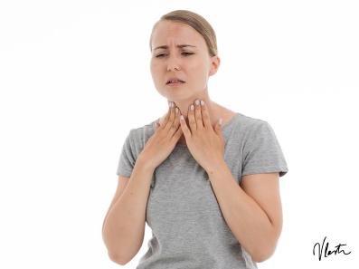 cmok v grlu